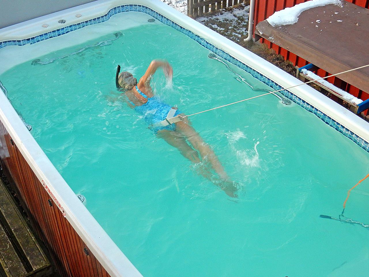 Trening i swimspa og motstrømsbasseng - spa basseng for bruk inne og utendørs