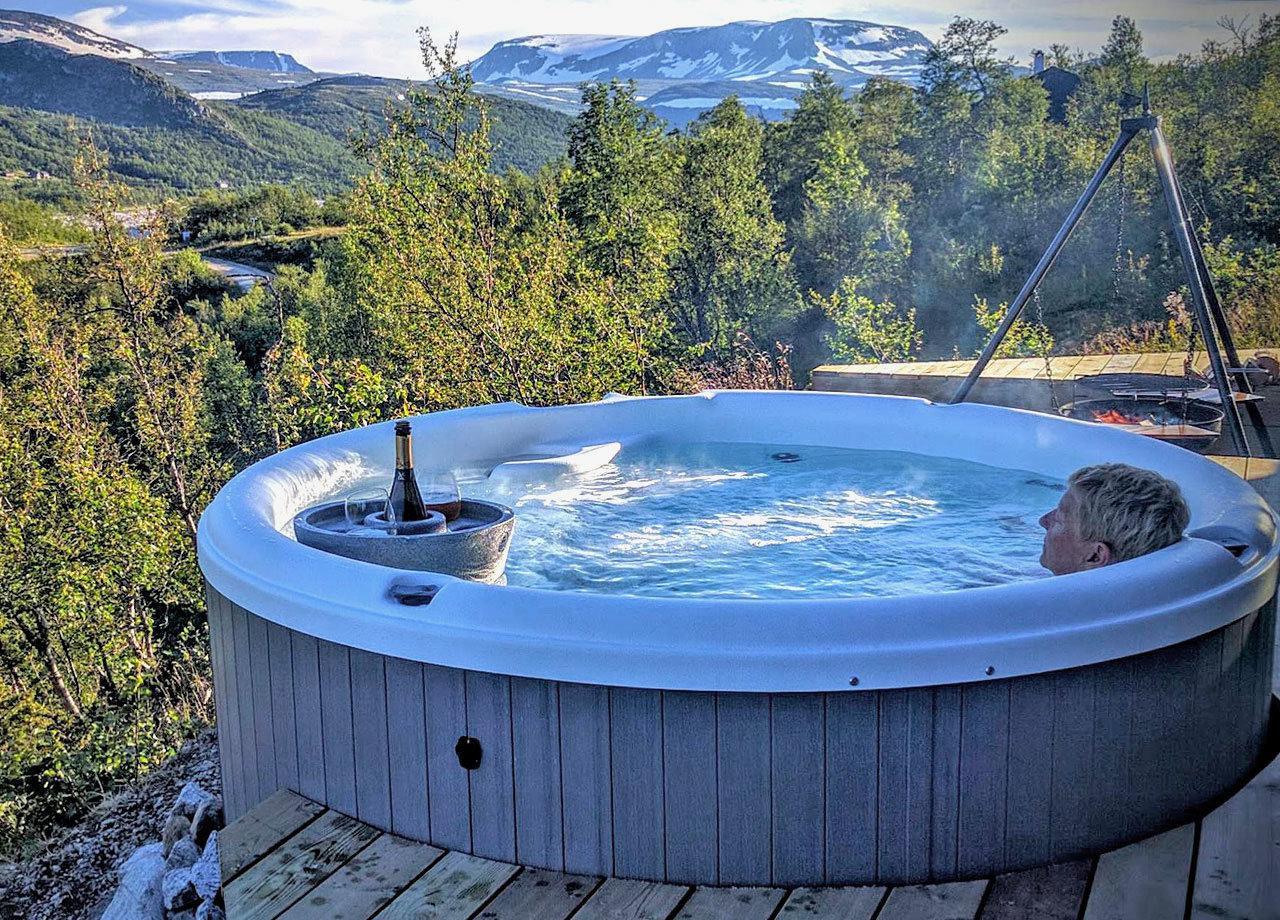 Utendørs massasjebad og boblebad   Sundance Norge